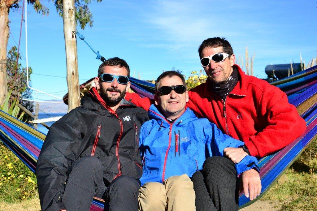 Guillaume, Paul et Alain partagent tout : même leur hamac !