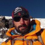 Guillaume Orsal sur les pentes du Parinacota lors de l'expédition 6000m avec le coeur d'un autre